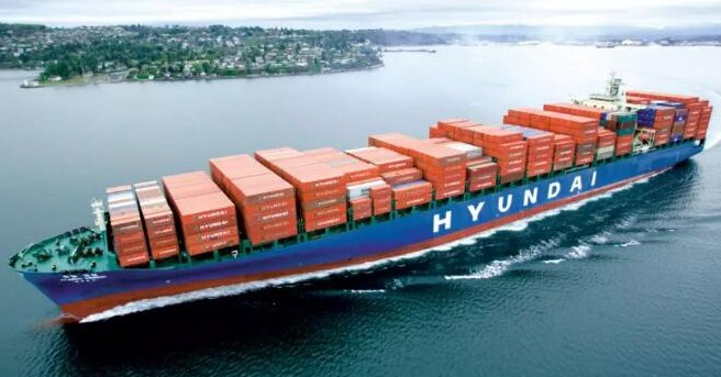 Modern merchant ship changed its name and continued to suffer